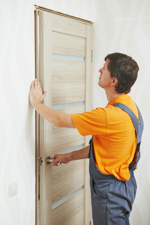 Фото установка межкомнатных дверей своими руками